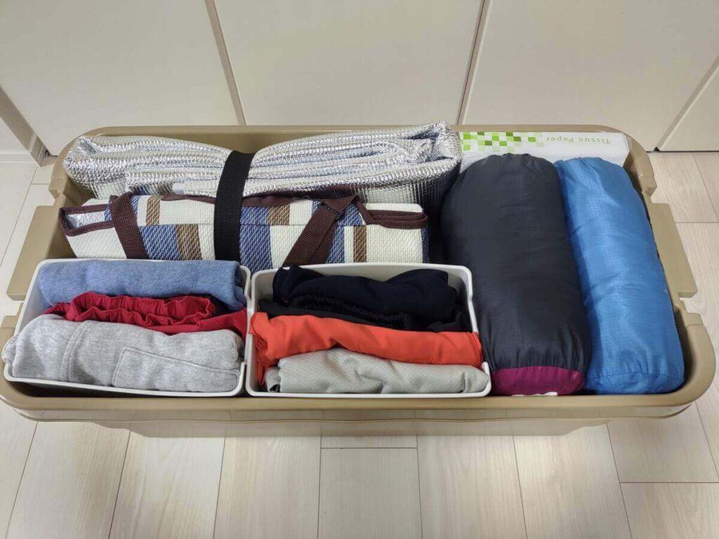 テントに持ち込む荷物の収納例