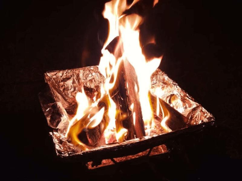 焚火をしているコンロ